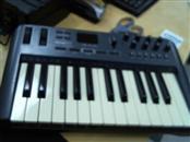 M AUDIO Keyboards/MIDI Equipment OXYGEN 25